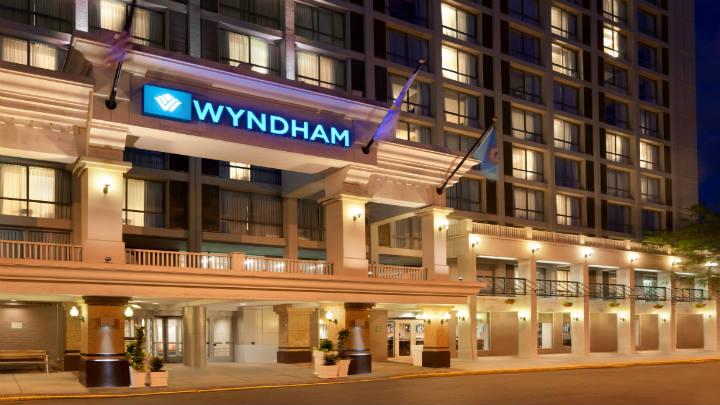 Wyndham-Boston-Beacon-Hill_Boston_MA_exterior-night
